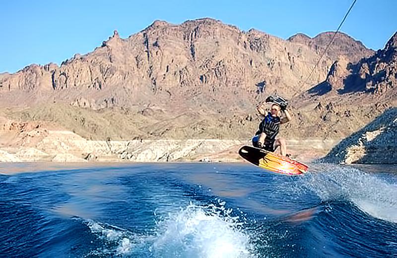 LakeMead-Wakeboarding